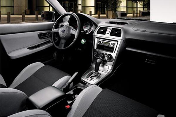 Интерьер салона Subaru Impreza SportsCombi