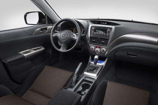 Интерьер салона Subaru Impreza XV