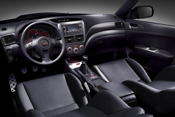 Интерьер салона Subaru Impreza WRX STI Sedan