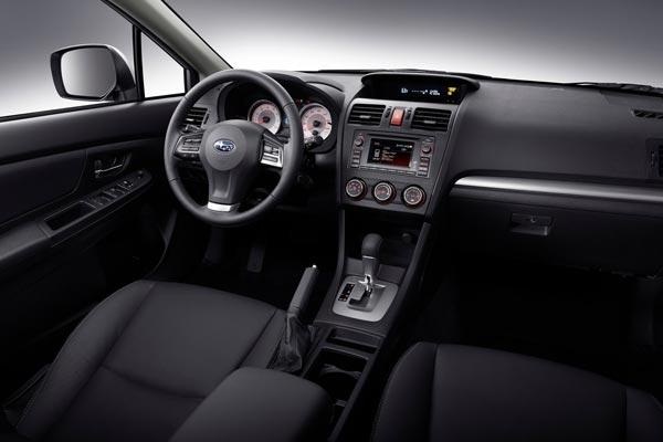 Интерьер салона Subaru Impreza