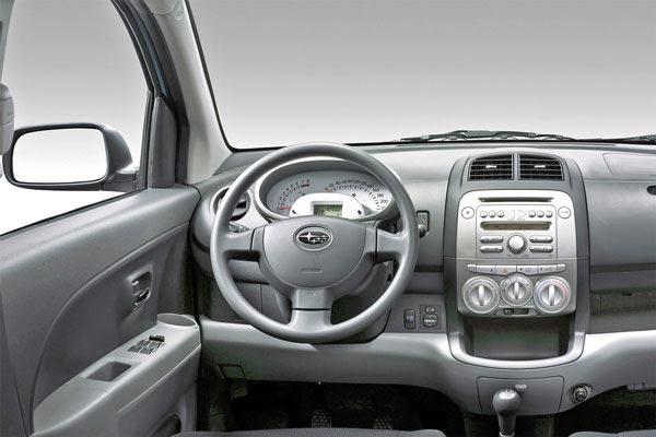 Интерьер салона Subaru Justy