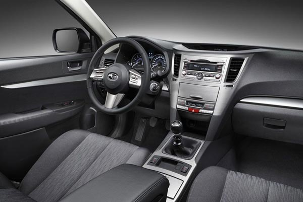 Интерьер салона Subaru Legacy Wagon