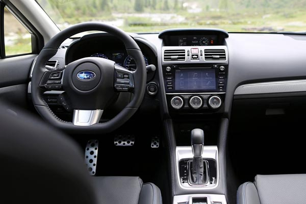 Интерьер салона Subaru Levorg