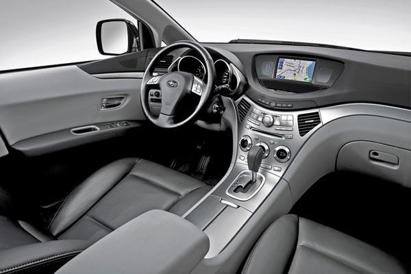 Интерьер салона Subaru B9 Tribeca
