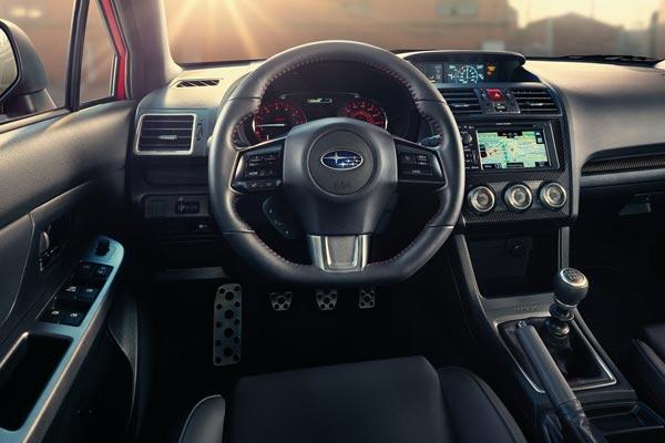 Интерьер салона Subaru WRX