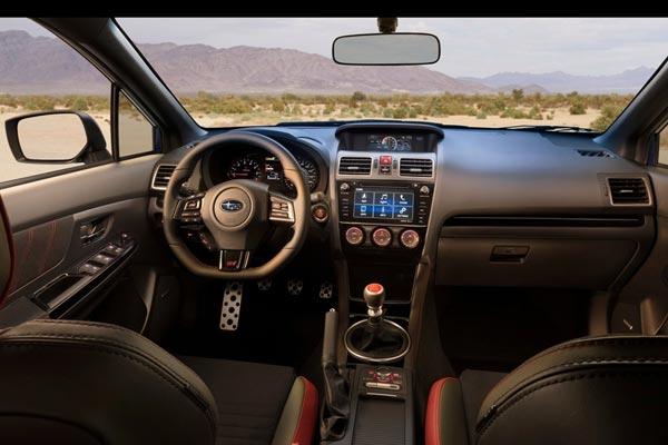 Интерьер салона Subaru WRX STI