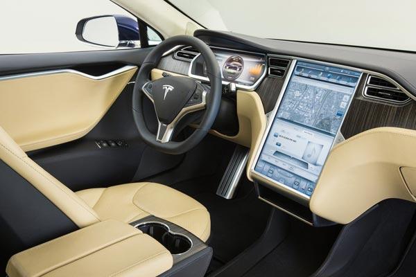 Интерьер салона Tesla Model S