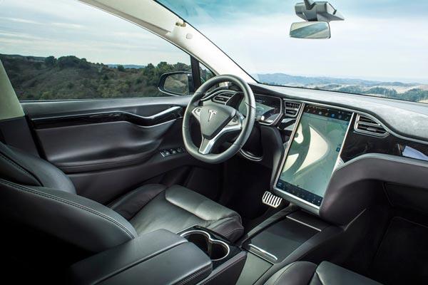 Интерьер салона Tesla Model X