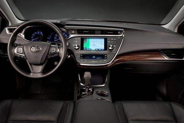 Интерьер салона Toyota Avalon