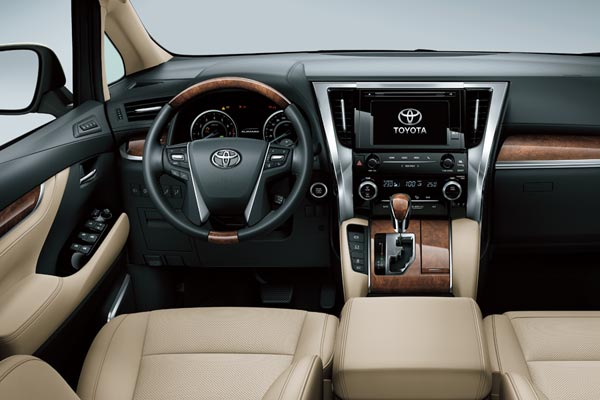 Интерьер салона Toyota Alphard