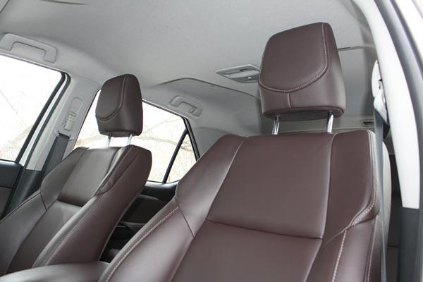Интерьер салона Toyota Fortuner