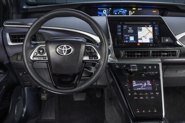 Интерьер салона Toyota Mirai
