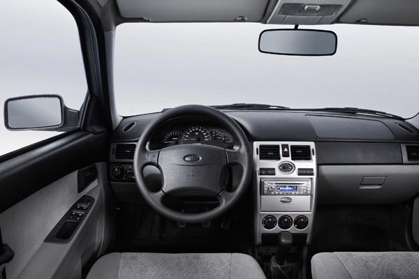 Интерьер салона Lada Priora Hatchback
