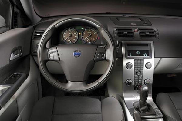 Интерьер салона Volvo C30 Concept