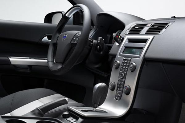 Интерьер салона Volvo C30