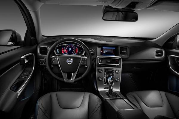 Интерьер салона Volvo V60