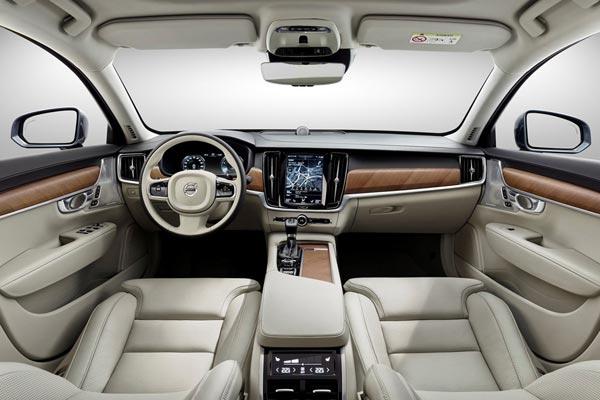 Интерьер салона Volvo S90