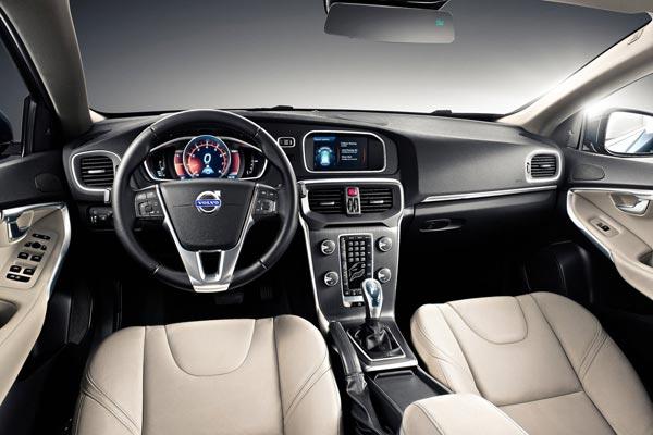 Интерьер салона Volvo V40