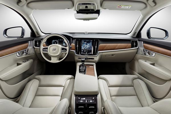 Интерьер салона Volvo V90
