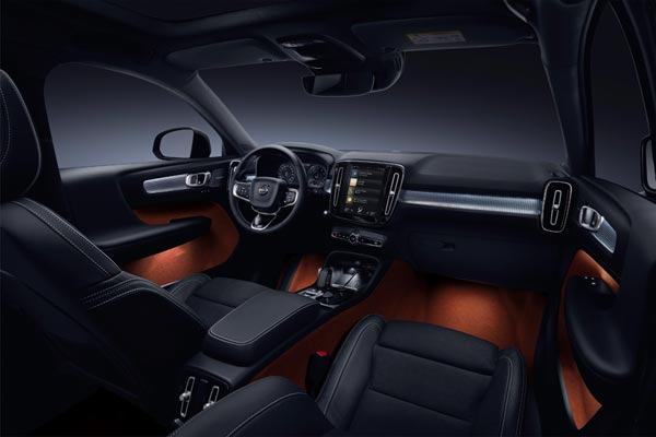 Интерьер салона Volvo XC40