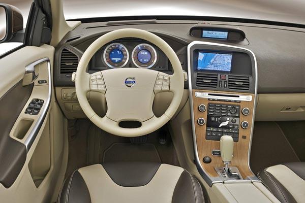 Интерьер салона Volvo XC60