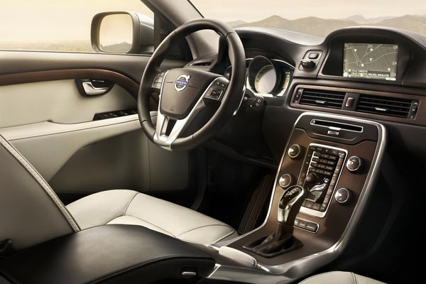 Интерьер салона Volvo XC70