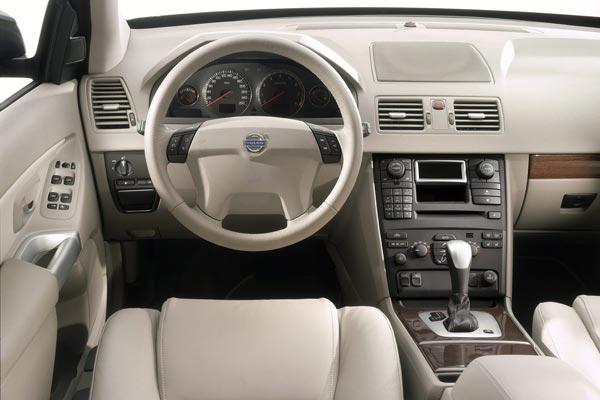 Интерьер салона Volvo XC90
