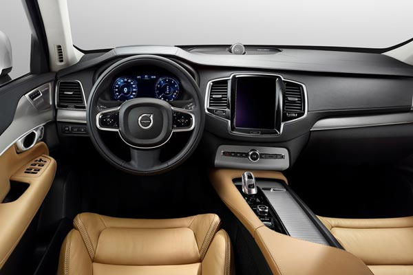 Интерьер салона Volvo XC90 R-Design