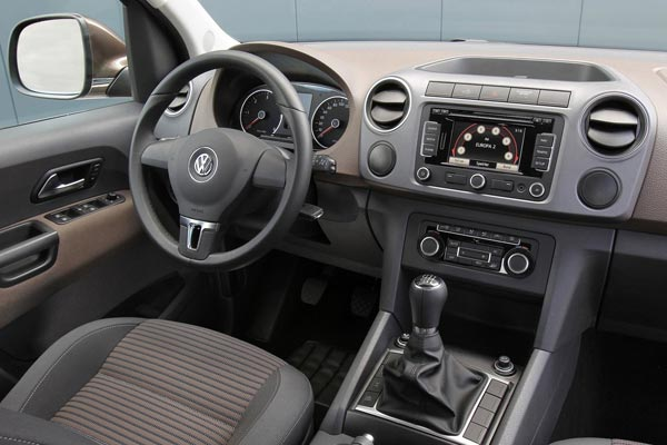 Интерьер салона Volkswagen Amarok Single Cab
