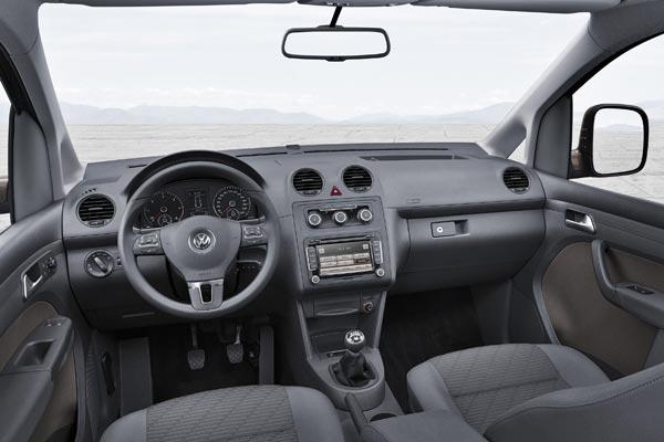 Интерьер салона Volkswagen Caddy Tramper