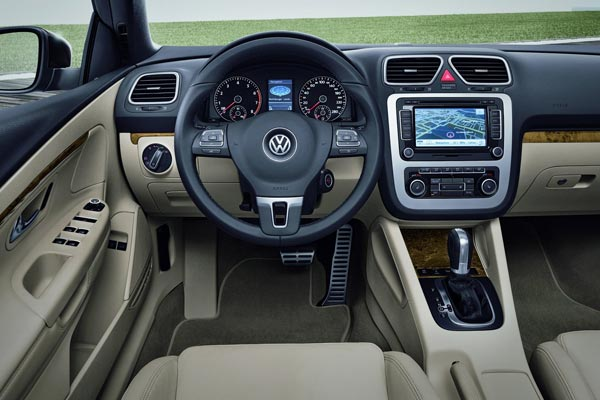Интерьер салона Volkswagen Eos