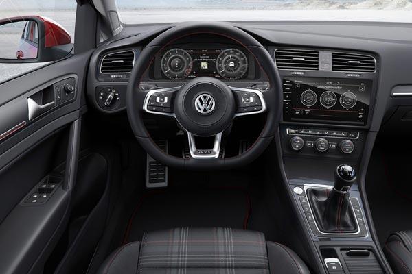 Интерьер салона Volkswagen Golf GTI