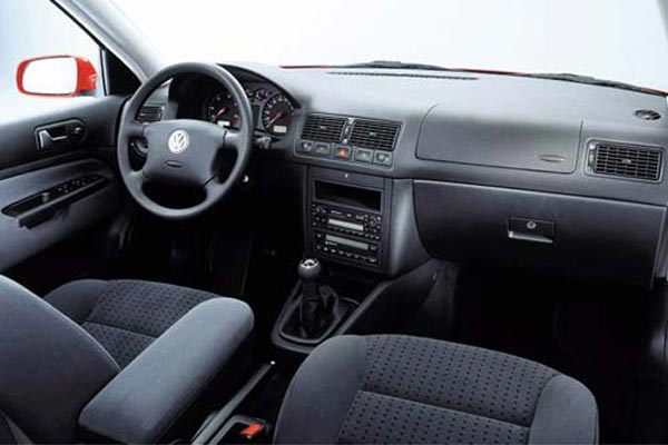 Интерьер салона Volkswagen Golf Variant