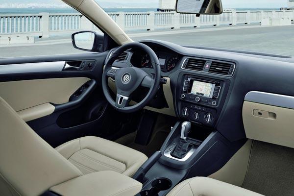 Интерьер салона Volkswagen Jetta
