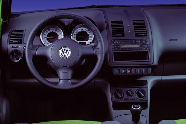 Интерьер салона Volkswagen Lupo