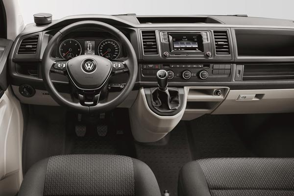 Интерьер салона Volkswagen Multivan