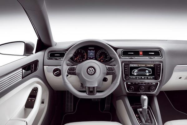 Интерьер салона Volkswagen New Compact Coupe