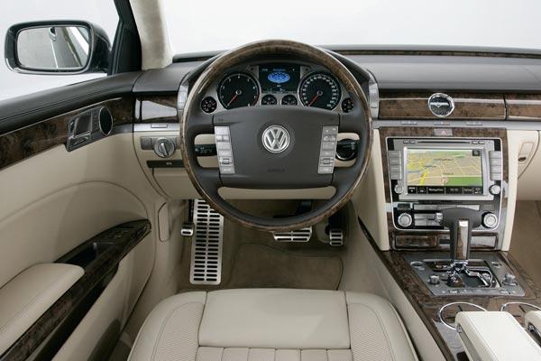 Интерьер салона Volkswagen Phaeton