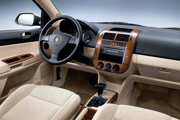 Интерьер салона Volkswagen Polo Sedan