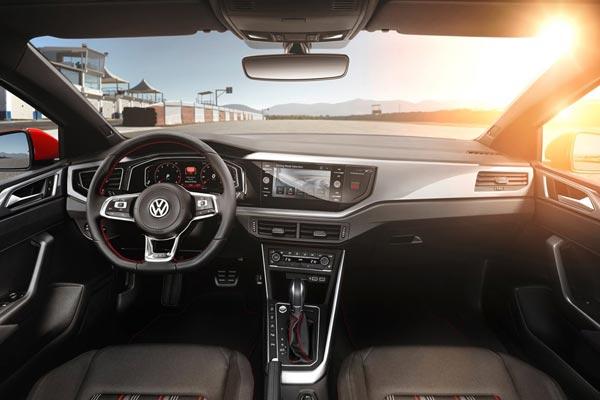 Интерьер салона Volkswagen Polo GTI