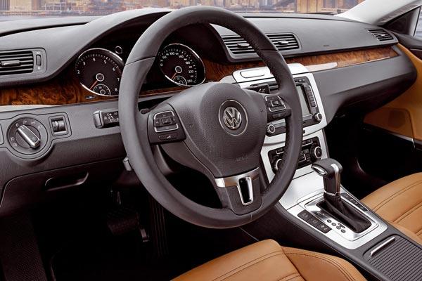 Интерьер салона Volkswagen Passat CC