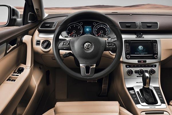Интерьер салона Volkswagen Passat Alltrack