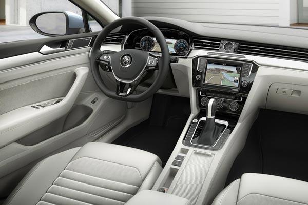 Интерьер салона Volkswagen Passat