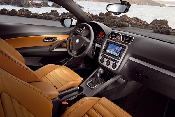 Интерьер салона Volkswagen Scirocco