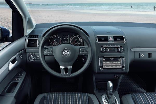 Интерьер салона Volkswagen CrossTouran