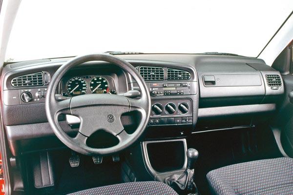 Интерьер салона Volkswagen Vento
