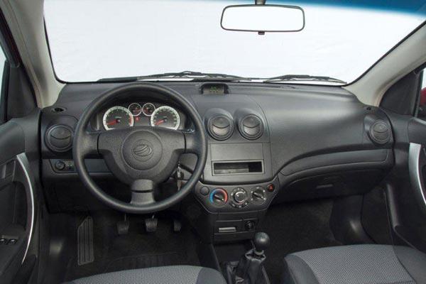 Интерьер салона ZAZ Vida Hatchback