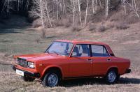 ...но с двигателем ВАЗ-2103, оснащенным впрыском топлива (инжектор).