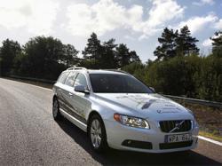 Прототип гибридного автомобиля Volvo. Фото журнала CAR