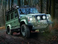 Land Rover Defender Blaser Edition. Фото Land Rover